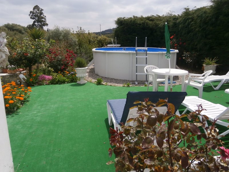 Apartment with swimming-pool, location de vacances à Barrio