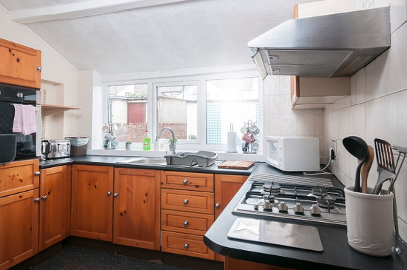 Well equipped kitchen. Laundry facilities as well.