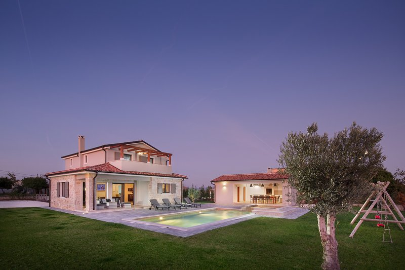 Beautiful Villa Korat, in Istria, with a Pool, holiday rental in Divsici