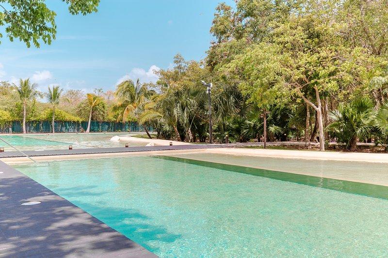 Condo Maxim E 305Lorena Ochoa Golf Complex, holiday rental in Playacar