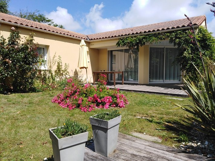 Villa Acacia 6P, vacation rental in Vendee