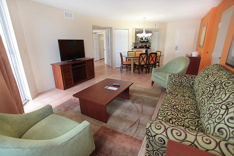 Spacious 2BR Suite at Vacation Village at Bonaventure, holiday rental in Green Meadow