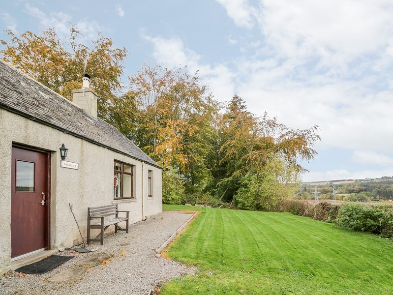 Balnain 2 Holiday Cottage, Maryburgh, vacation rental in Cononbridge