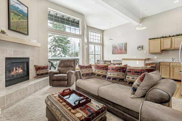 Natural Light Coming Through The Large Windows looking Onto Views!