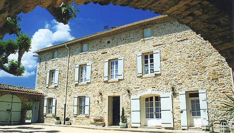 Mas Coton - Large Farmhouse in Provence to rent with pool sleeps 12, casa vacanza a Cavillargues