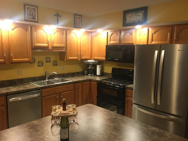 Terrific Home Close To Notre Dame, vacation rental in South Bend