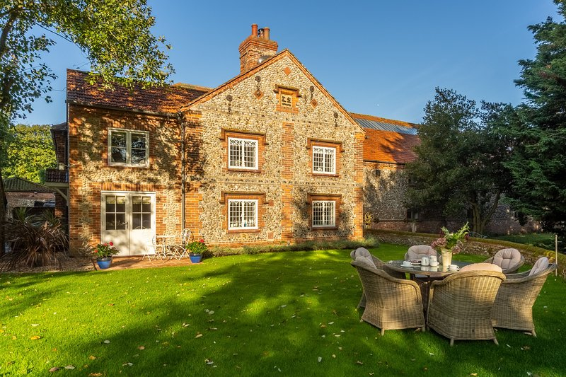 Glaven Cottage, holiday rental in Wiveton
