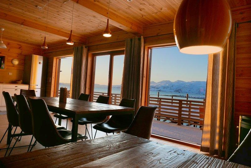 Nordlicht Haus direkt am Meer für bis zu 10 Personen, casa vacanza a Tromso