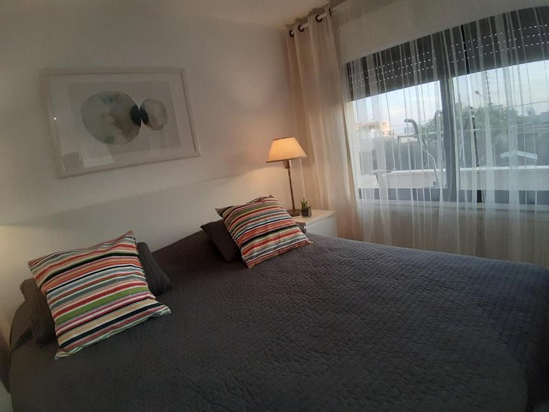 Carmen's Place: Private Central Studio with Balcony/ 5*, vacation rental in Madaba Governorate