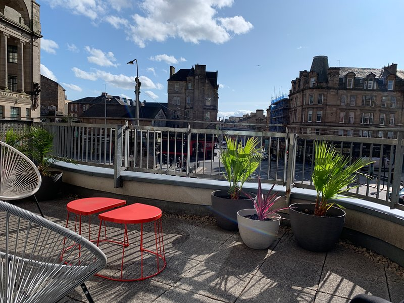 Tolbooth 2 King Bedroom Apartment with Large Terrace, location de vacances à Glasgow