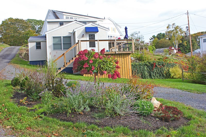 Cove Cottage - Lovely Boothbay Harbor Cottage with Water Views of Mill Cove, aluguéis de temporada em Trevett