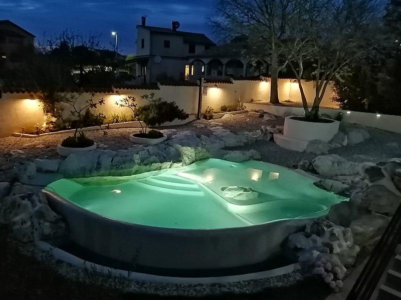 Zelfstandig appartement in een woonvilla met privé zwembad, aluguéis de temporada em Loborika