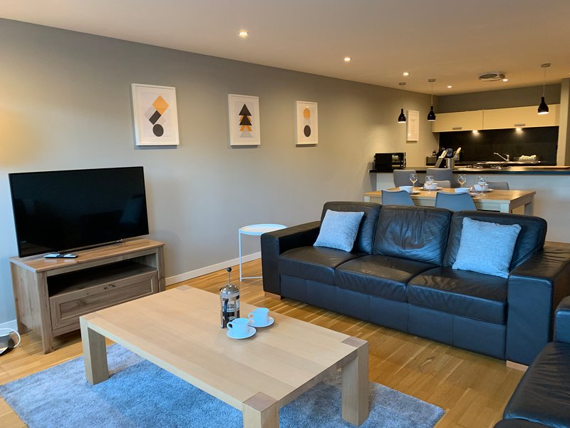 Tolbooth Watson Superior Two Bedroom Apartment (Free Parking Available), location de vacances à Glasgow