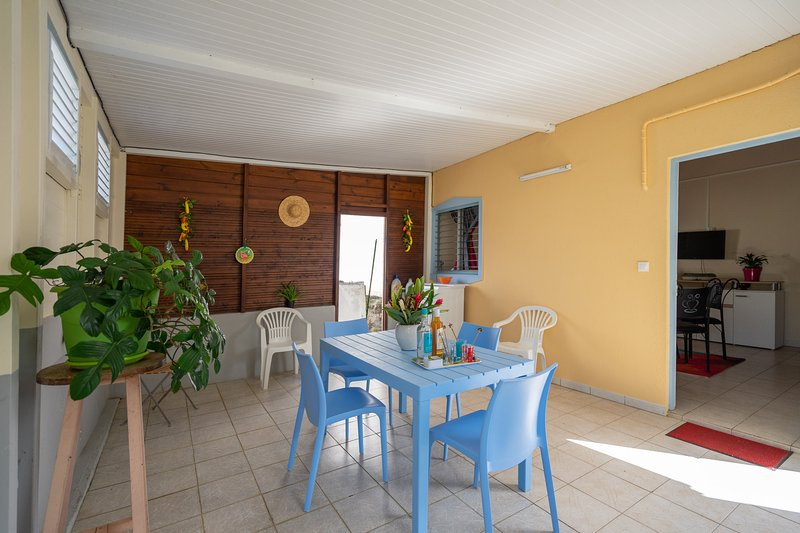 Nice house with garden & terrace, vacation rental in Riviere-Salee