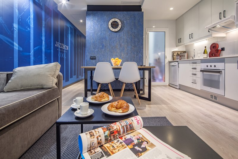 2 bedroom apartment next to Sagrada Familia, vacation rental in Vallmanya