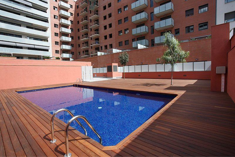 Great apt with swimming pool, vacation rental in Barcelona