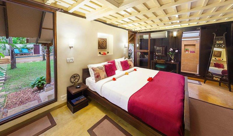 Hibiscus Villas King Size bedroom