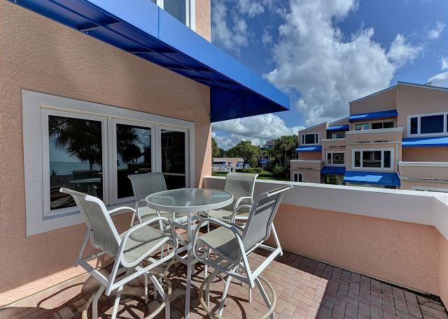 Unit #204 Sand Cay Beach Resort Gulf Front, holiday rental in Longboat Key