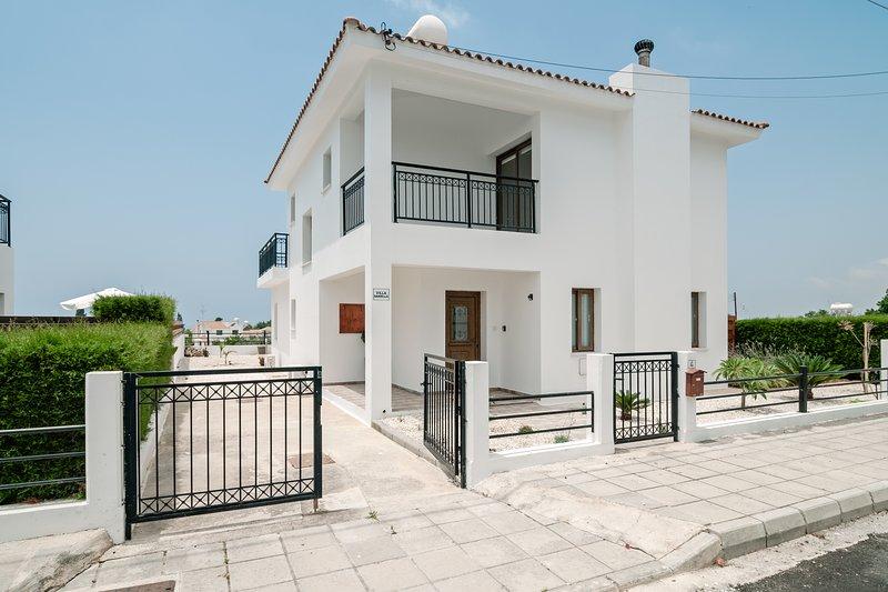 Villa Daniella, holiday rental in Kissonerga