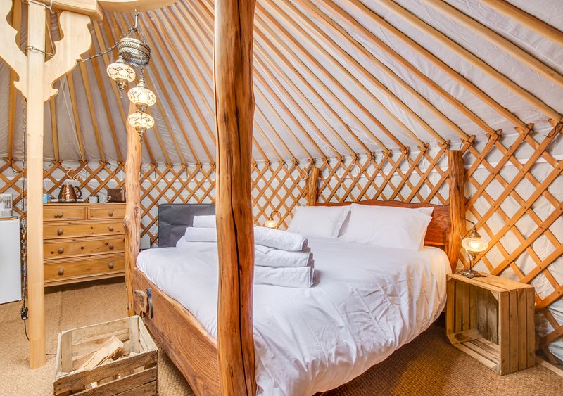 Curlew  Yurt, holiday rental in Raydale