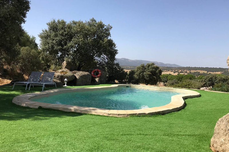 Amazing house with pool access, vacation rental in Mora