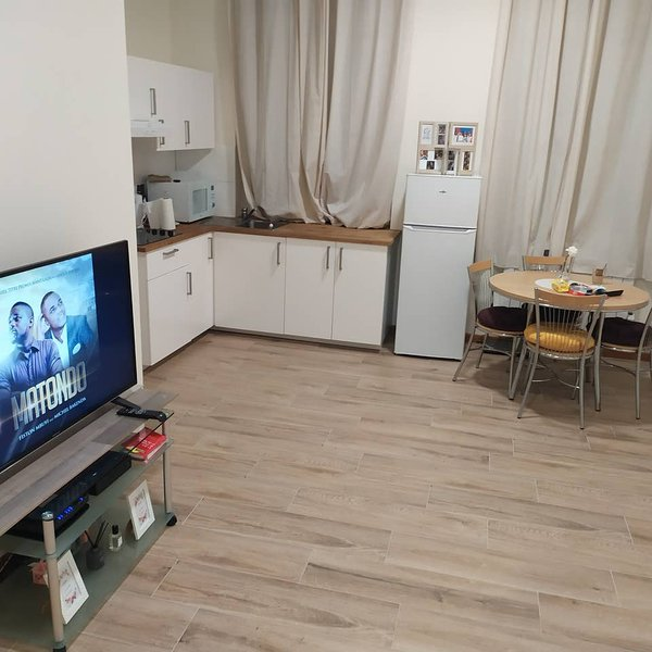 Nice apartment in Mons & Wifi, holiday rental in Godarville