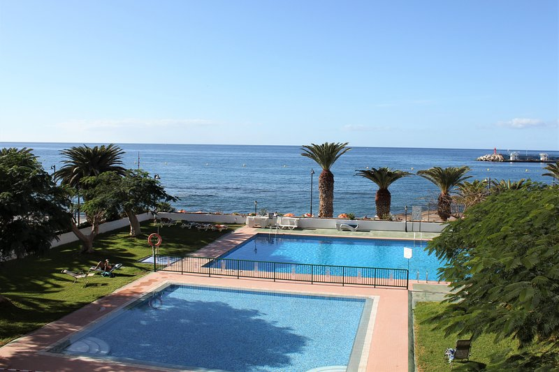 Nice apartment & great sea views in Los Cristianos, holiday rental in Los Cristianos