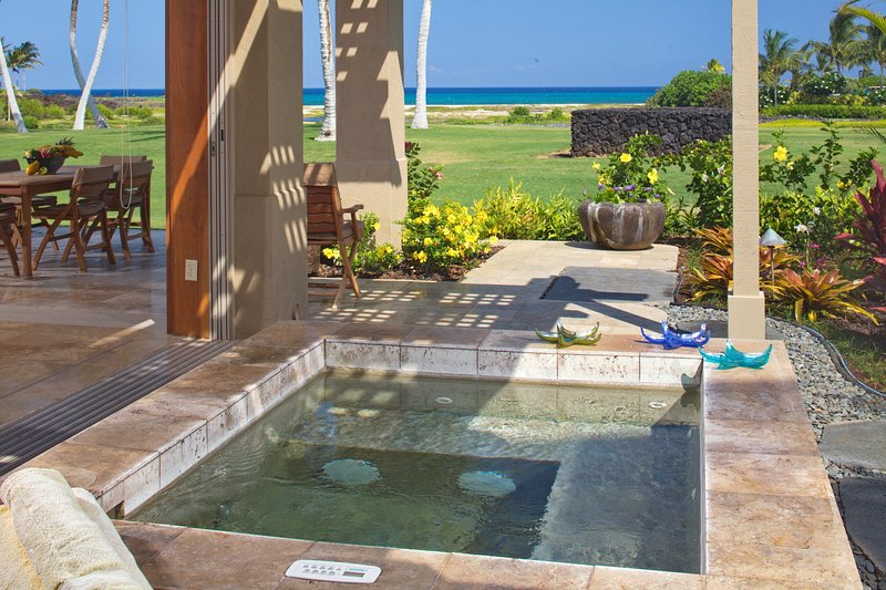 Private hot tub on generous lanai w/ front row ocean & golf course views.