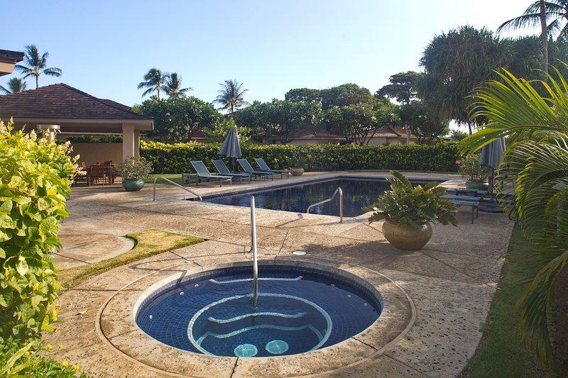 Exclusive use of nearby neighborhood pool & hot tub.