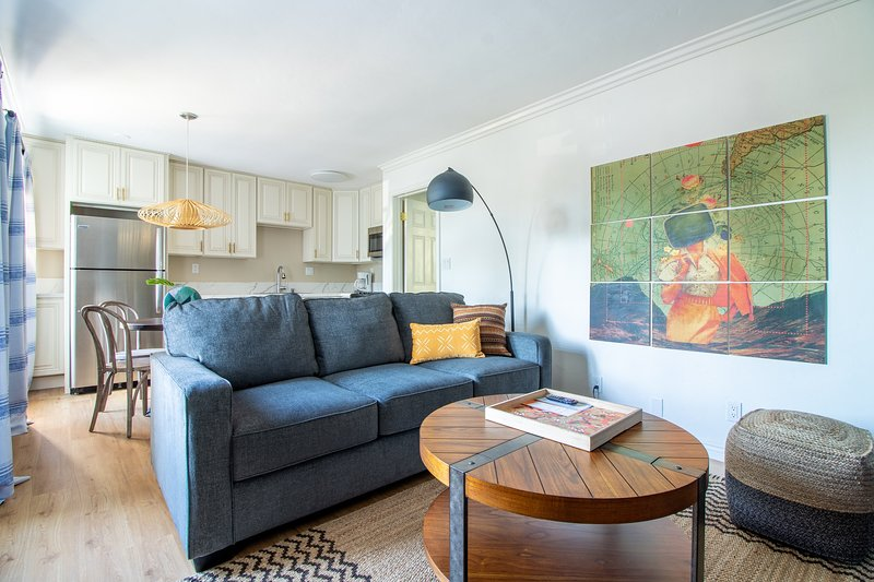 Stylish 1BR Apt near Mission Bay #5 by WanderJaunt, vacation rental in Elvira