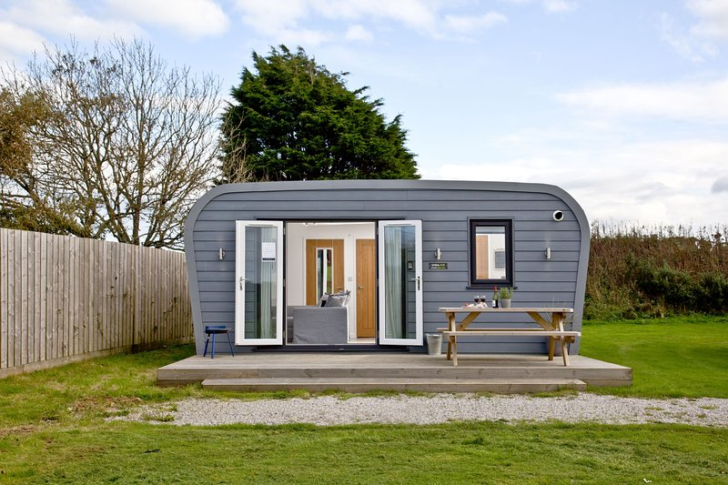 Wheal Tor, Wheal Dream - A luxury lodge sleeping 4 a few miles from the Cornish, holiday rental in Wendron