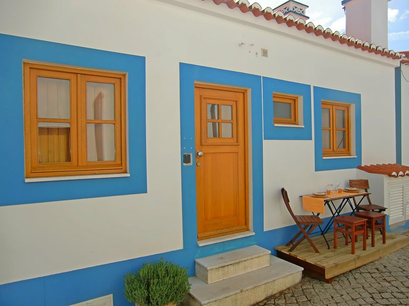 Casa da Amoreira - Adorable Aljezur Cottage, vacation rental in Aljezur