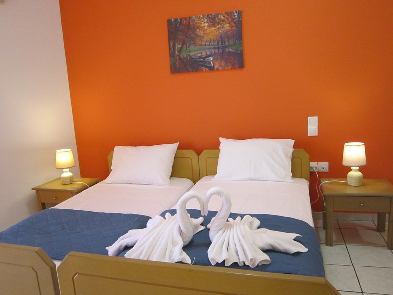 Econimic Studios in Crete B3, holiday rental in Ammoudara