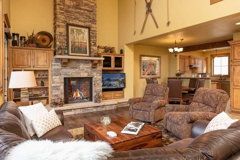 Welcome to Mountain Terraces 721 - a mountain townhome with sweeping views