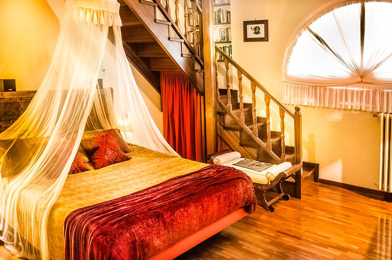 Bijou House Bologna, charme, comfort and quiet, old town center, free wifi, holiday rental in Monte San Pietro