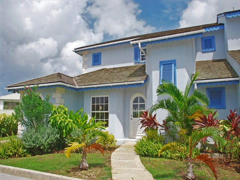 Blue Waters Villa is a luxurious 3 bedroom house