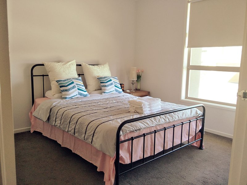 Daisy Villa – close to Mel. Airport & Hume Fwy., holiday rental in Epping