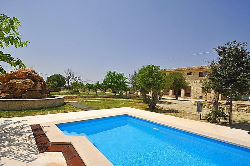 SON PUJOL- Majestic country house with private pool in Montuiri.Mallorca. Satel, vacation rental in Sant Joan