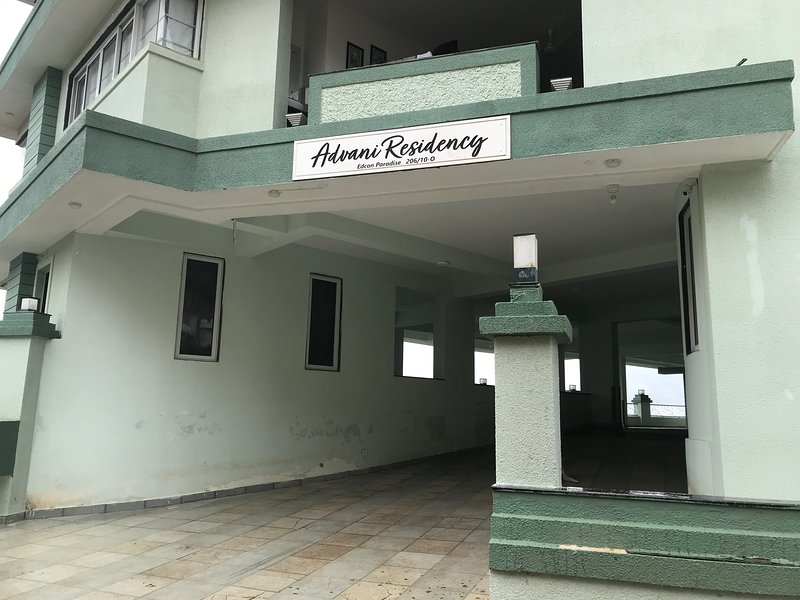 3 Bedroom hall, Kitchen Luxurious Apartment in High End locality in Dona Paula,, holiday rental in Bambolim