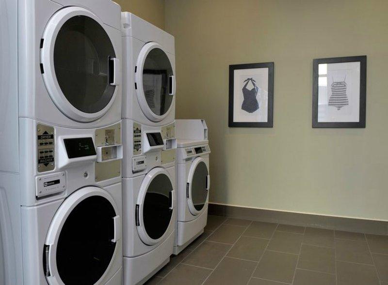 Disfruta del acceso a la lavandería en el lugar.