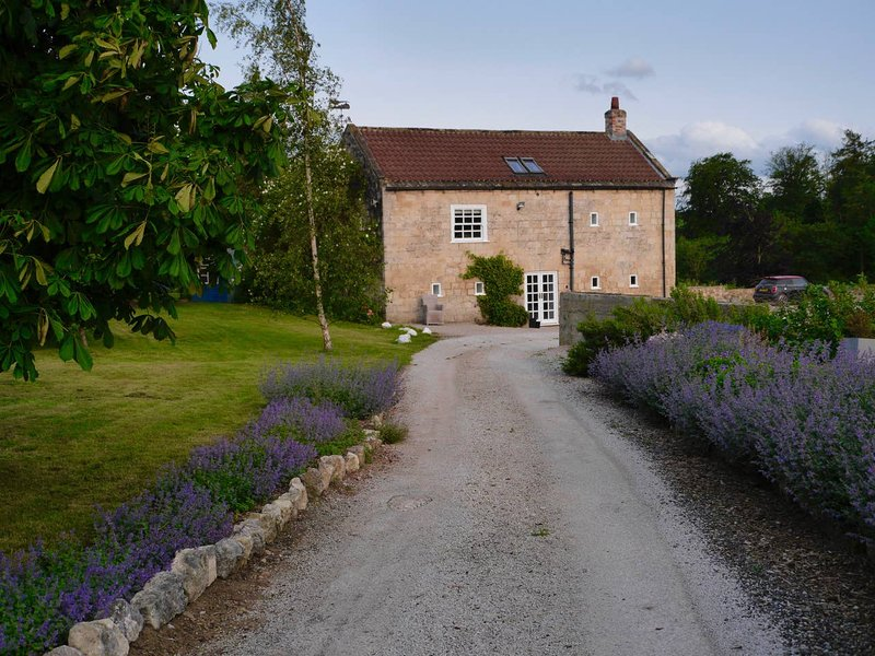 Luxury barn conversion set in glorious countryside, casa vacanza a Boroughbridge