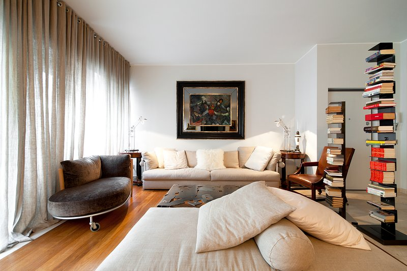MILANO CENTRAL LUXURY APT, 3 BDR, ELEGANT AND NICE ATMOSPHERE, UP TO 7 GUEST, Ferienwohnung in Mailand