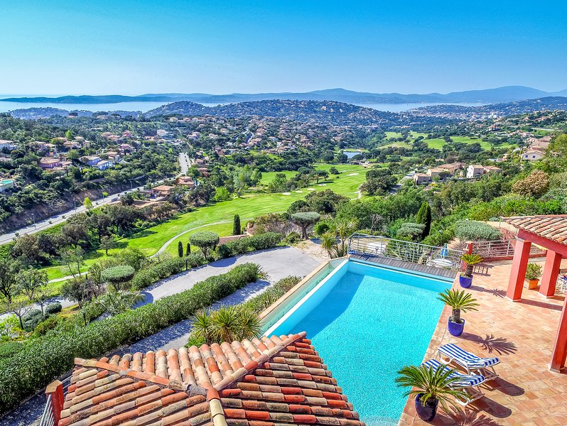 1399041 Villa with independent apartment for up to 10, panoramic sea view, airco, holiday rental in Sainte-Maxime