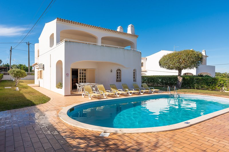 Perfect for all the Family, Near the beach, Private Pool, holiday rental in Sesmarias