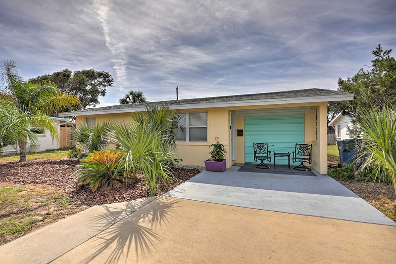Pet-Friendly Ormond Beach Home, Walk to Ocean, holiday rental in Ormond-by-the-Sea