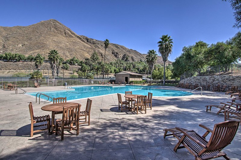 Soak up the sun with views of the mountains by the country club pool!