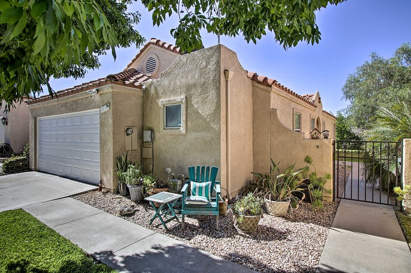 San Jacinto Country Club Home w/ Amenities!, holiday rental in Hemet