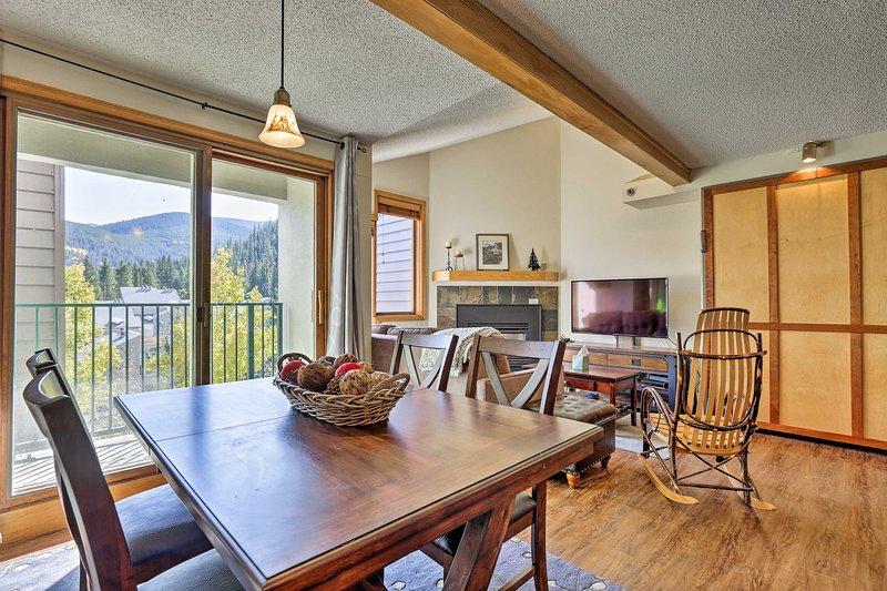 Vieni a visitare Winter Park e soggiorna in questo appartamento con 2 camere da letto e 2 bagni!