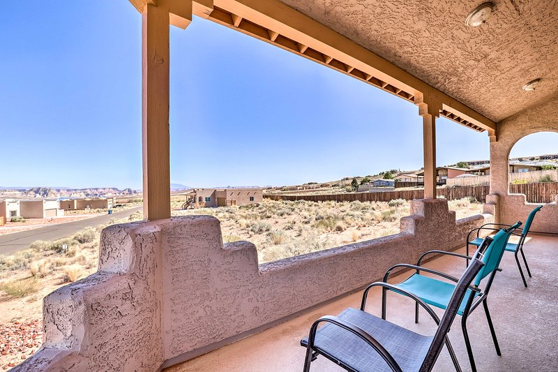 Pet-Friendly Adobe ~ 3 Miles to Lake Powell!, aluguéis de temporada em Big Water