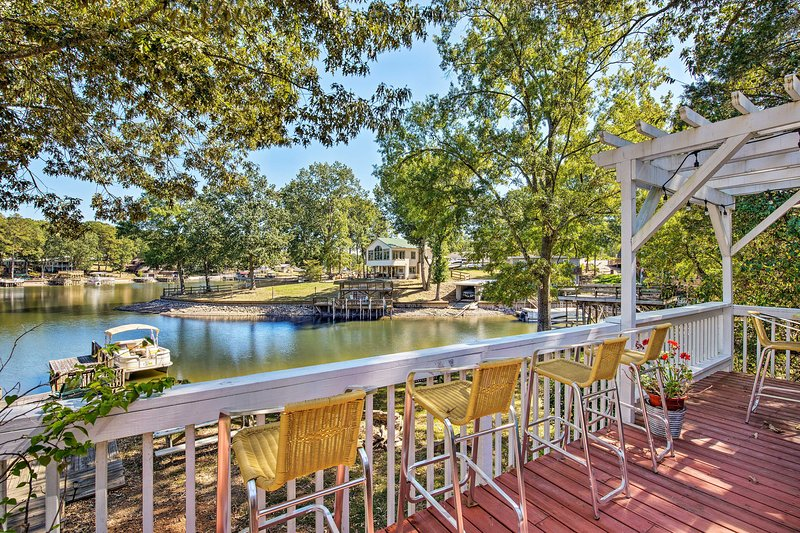 Waterfront Home on Badin Lake w/ Large Deck!, vacation rental in Gold Hill